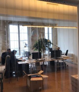 Rideau a lamelles PVC isolation bureau open space
