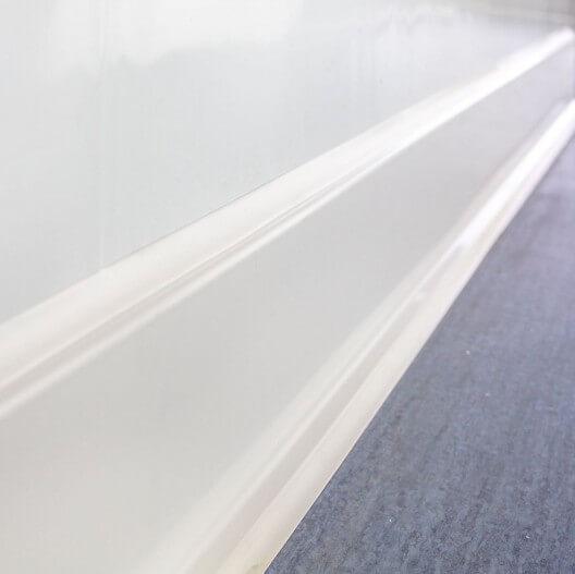 Plinthe adhesive PVC