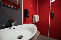 Rénovation d'une douche à l'italienne avec nos plaques PVC couleur