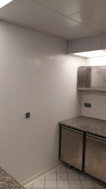 Exemple de rénovation de cuisine avec Lambris plein 333