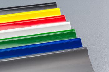 Congés d'angle PVC en différents coloris