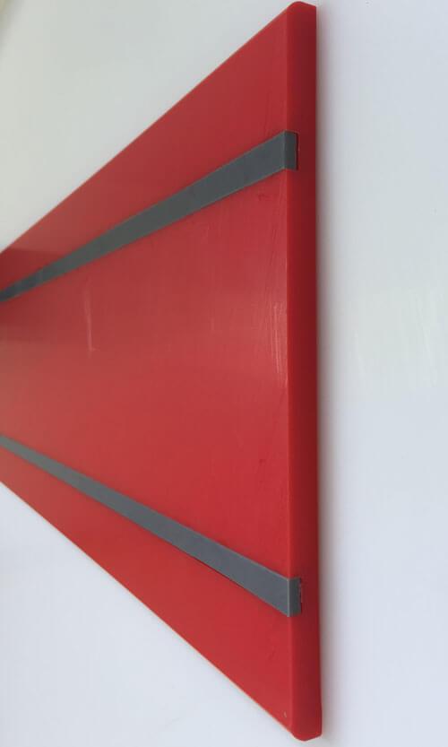 Lisse de protection murale Polyéthylène rouge avec cache-vis gris